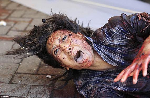 Una mujer herida pidiendo socorro. Atentado en el centro comercial de Westgate en Nairobi, el 21 de septiembre